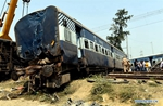 7 killed, 30 injured in train accident in India