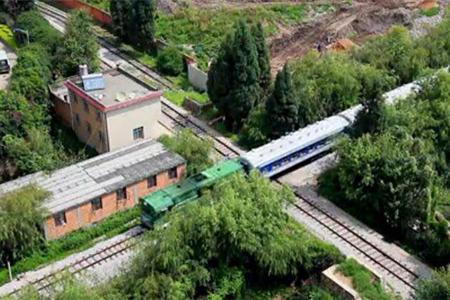 The unique crossing on Yunnan-Vietnam Meter-Gauge Railway