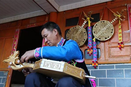 Li Shuming: innovative protector of the Yueqin-making craft