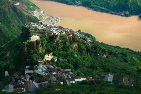 Baoshan Stone City: A rock-grown village in Lijiang