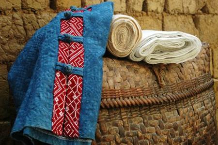 Dai brocade: Weaving the memories of Dai people
