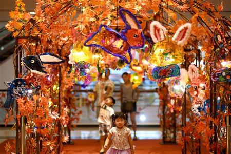 Mall in Malaysia prepares celebration for Mid-Autumn Festival