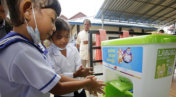 China provides hygiene supplies to pre-schools in Cambodia, benefiting 70,000 pupils