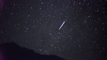 Dazzling Geminid meteor shower graces Yunnan's night sky